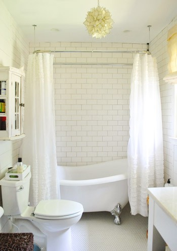 ... Sources · Image Of White Ceramic Subway Tile Bathroom · Calcutta Gold  Marble · Le Subway Tile To Ceiling ... Part 41